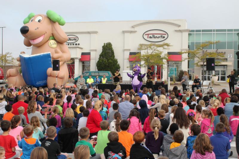 Pete the Bull at an assembly in front of Northpark Mall in Davenport, Iowa